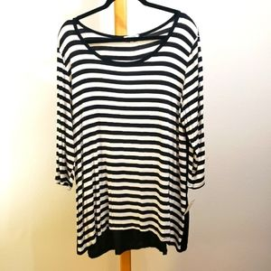 Ava James 3/4 sleeve stripped button back tunic